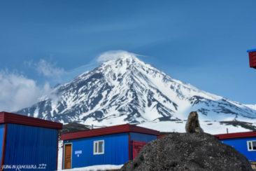 Mountain huts on the Avachinsky pass